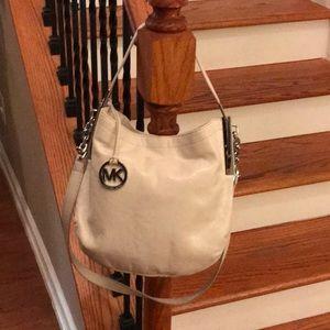 🤩 Michael Kors leather shoulder/crossbody bag 🤩